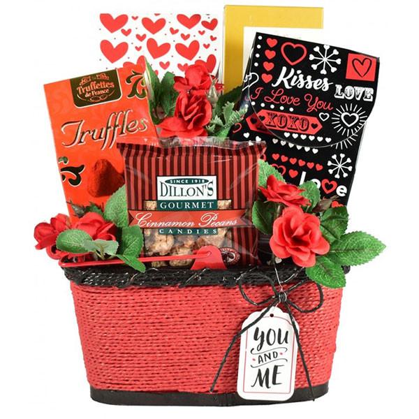Sweet Greetings Valentine Romantic Gift Basket